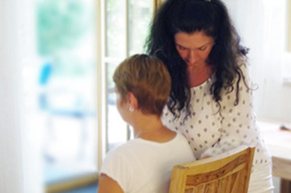 Natascha Reiß in einer Schamanischen Sitzung mit Klientin